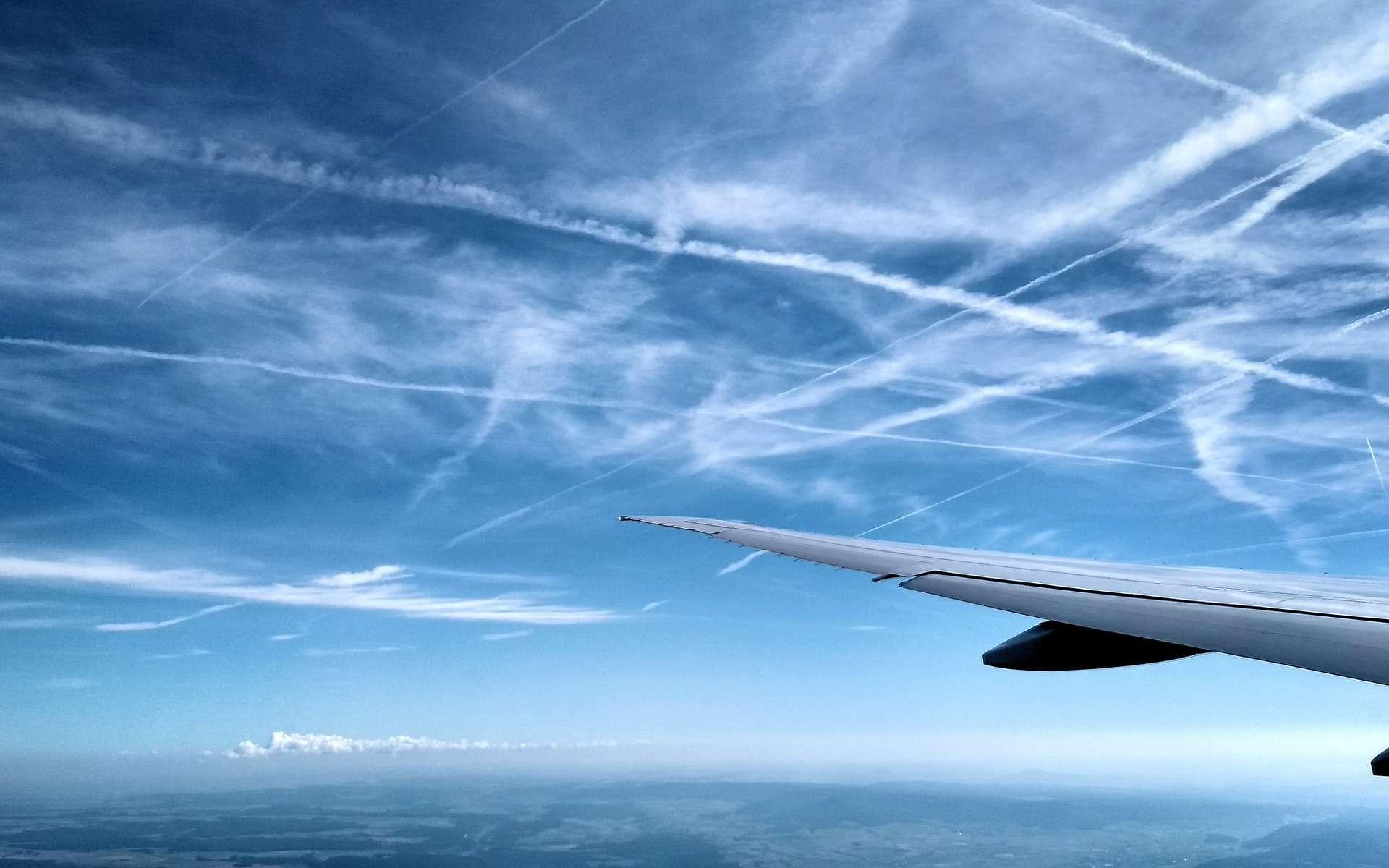 Réchauffement climatique : l'impact des traînées d'avion va tripler d'ici 2050
