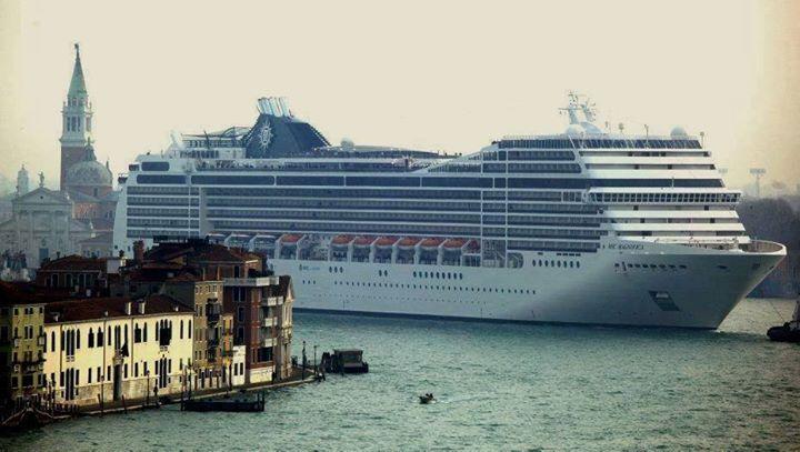 A Venise, la multiplication des paquebots géants menace la lagune
