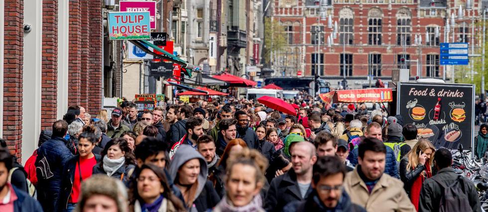 Venise, Amsterdam, Barcelone... Face au tourisme de masse, les villes serrent la vis