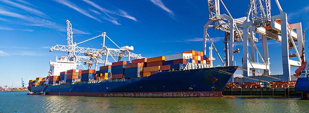 Les émissions de soufre du transport maritime plafonnées dès 2020
