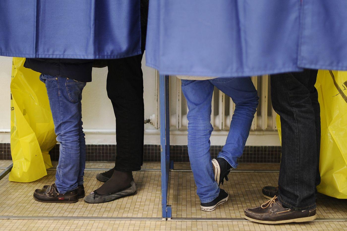 Comment parler de politique aux jeunes?
